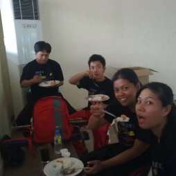 Demo Team Eating